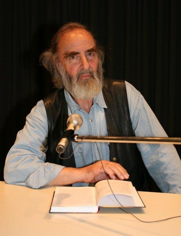 Der Autor bei einer Lesung in Wien-Brigittenau am 17. April 2008 (Foto: VHS Wien - Brigittenau)